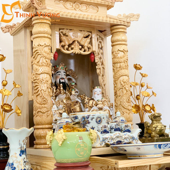 Bộ Bàn Thờ Thần Tài 2 Tầng Cột PơMu 48 Sứ Vẽ Vàng 2TCPM01VV