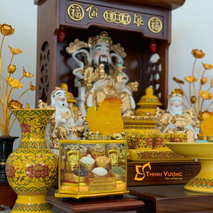 Bộ Bàn Thờ Thần Tài Màu Vẽ Vàng 36 Sồi Gấm Vàng DDVVM01GV