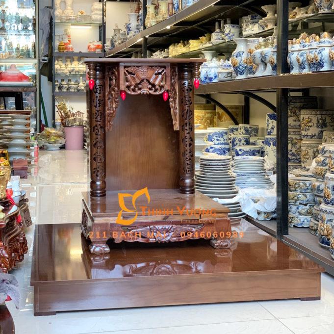Ý nghĩa của lọ hoa trên bàn thờ thần tài