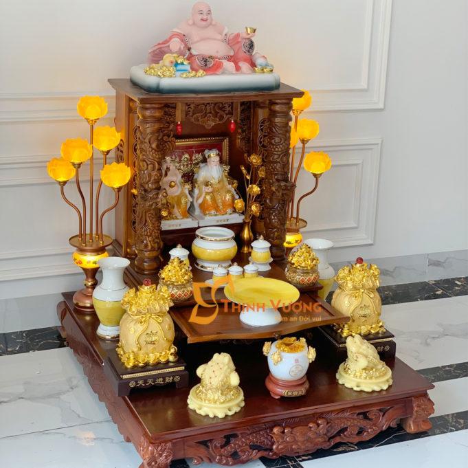 Thiết kế bàn thờ thần tài với hình ảnh rồng cuộn mây đầy trang trọng