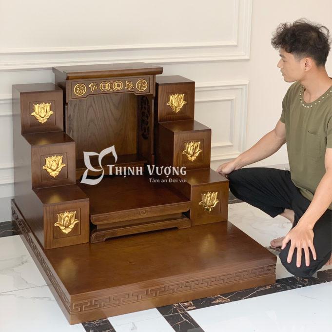 Bản thờ Thần Tài Thổ Địa gỗ sồi màu óc chó vẽ vàng