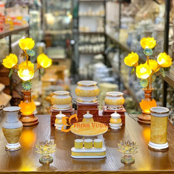 bàn thờ gia tiên cần đặt 3 bát hương