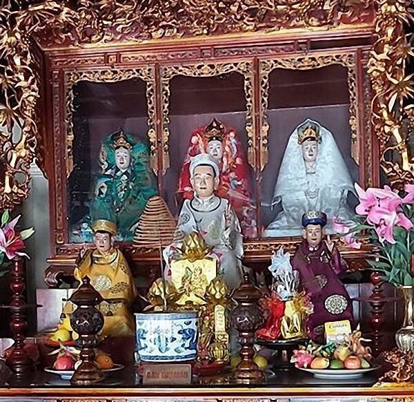 Ý nghĩa của ban thờ Mẫu trong chùa