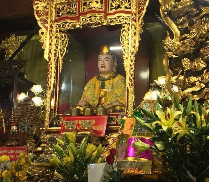 Tới đền Ông Hoàng Mười cầu gì