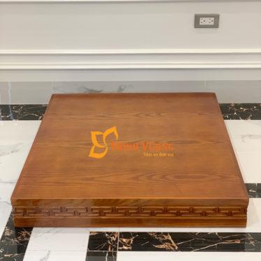 Mẫu kệ gỗ cho bàn thờ thần tài cánh gián